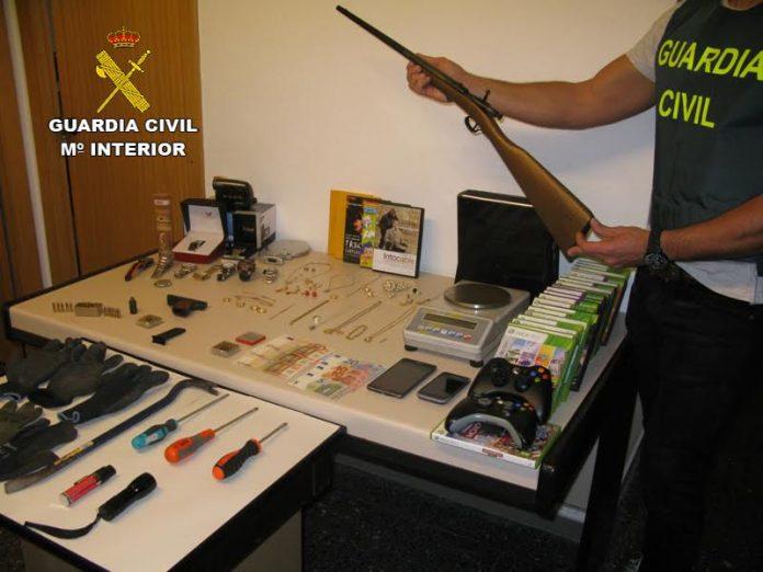 Tres detenidos como presuntos autores de al menos 16 robos en viviendas en el sur de la provincia de Pontevedra