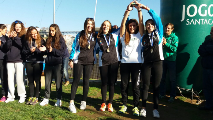 El Cuatro Scull Femenino del Club Remo do Miño Tui-Seta logra la medalla de bronce en Oporto