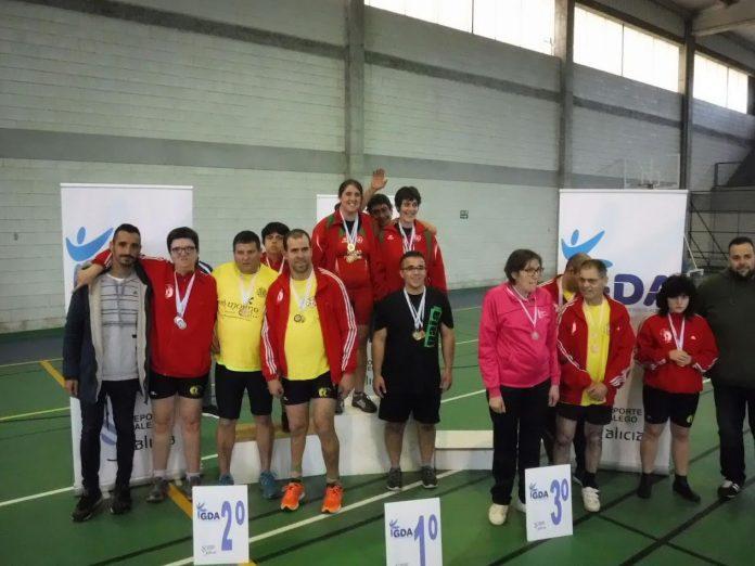 El I Open Ibérico de remoergómetro reunió en Tomiño a treinta deportistas de Galicia y Portugal