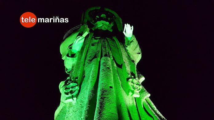 La Virgen de la Roca luce un manto verde