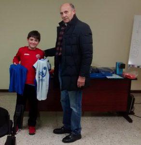 Álex Casás, un jugador del Club Baloncesto Nigrán premiado por la Federación Galega de Baloncesto