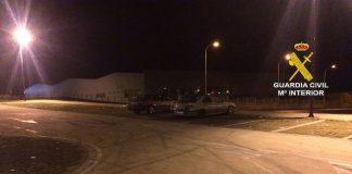 La Guardia Civil disuelve una concentración ilegal de vehículos en Pontevedra
