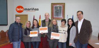 Los ganadores del concurso 'Decorando Baiona no Nadal' reciben su galardón