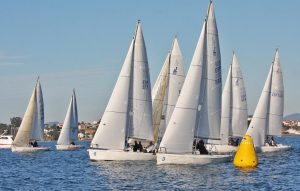 La Liga de Invierno Clase J80 abre la temporada de regatas en Baiona