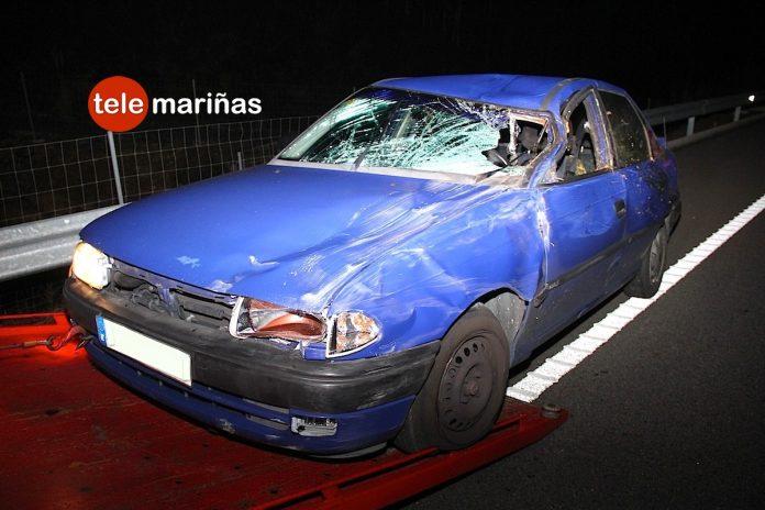 Heridos dos conductores tras arrollar a dos caballos en el vial a su paso por O Rosal
