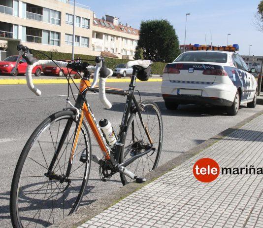 Hiere a un ciclista de Gondomar al abrir la puerta de su coche en Baiona