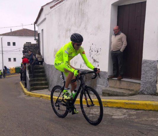 Rodrigo Enríquez, del Rías Baixas de Nigrán, se adjudicó la montaña en la apertura de la Copa de España