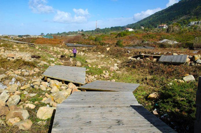 El temporal destruyó 200 metros de la senda litoral de A Guarda