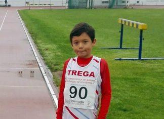 Álex Sierpes, del Club Atletismo Trega, bate el récord gallego de 1.000 metros al aire libre