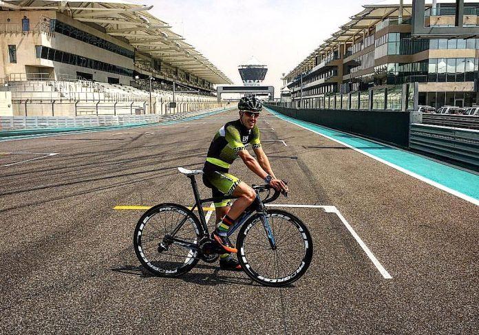 Los triatletas Alarza y Serrat competirán en ciclismo con el Rías Baixas