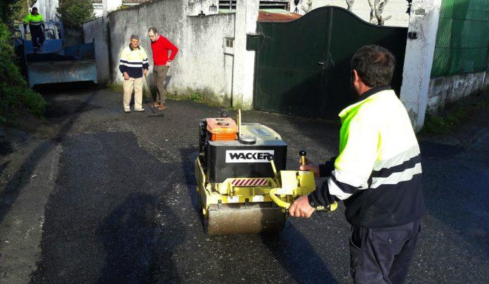 Comienzan las obras en la red de saneamientos y reparaciones de caminos en Baiona