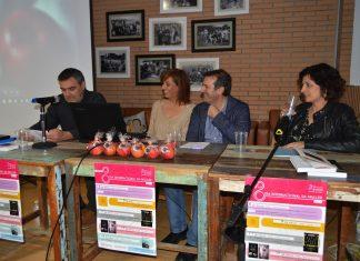 """Numeroso público en Tomiño na presentación do libro """"Un cesto de mazás"""""""