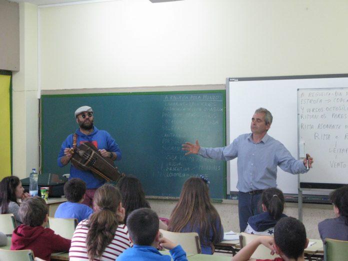 Los colegios de Nigrán acogen un obradoiro de regueifas