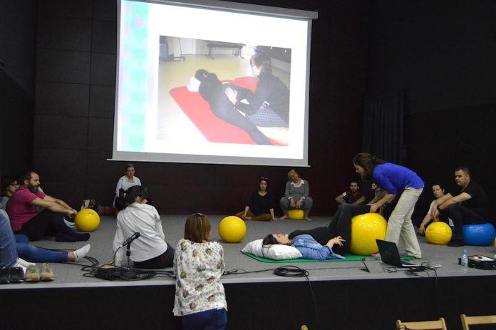 Una docena de parejas participan en Tomiño en los talleres de maternidad