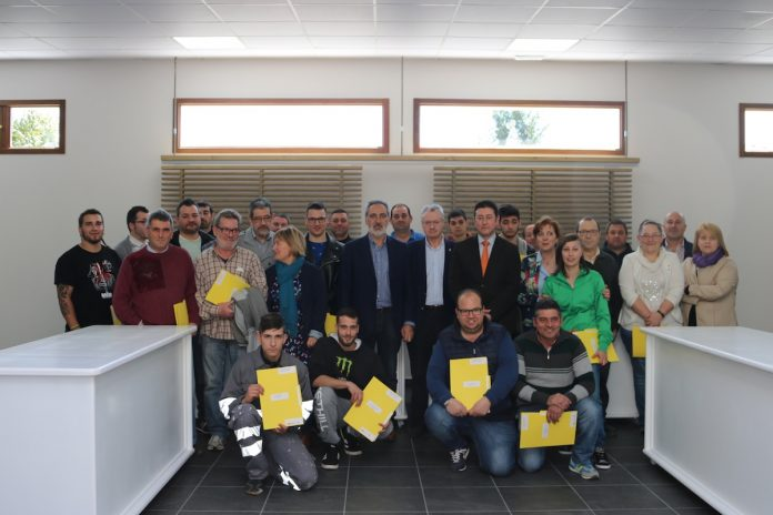 "Los alumnos del ""Obradoiro de Emprego"" de O Rosal reciben sus diplomas"