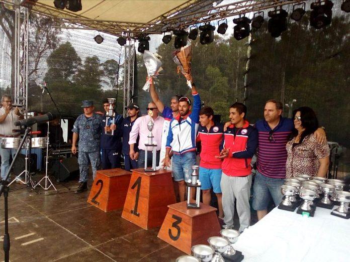 Diego Piña e Iván Alonso del Kayak Tudense ganan en Uruguay