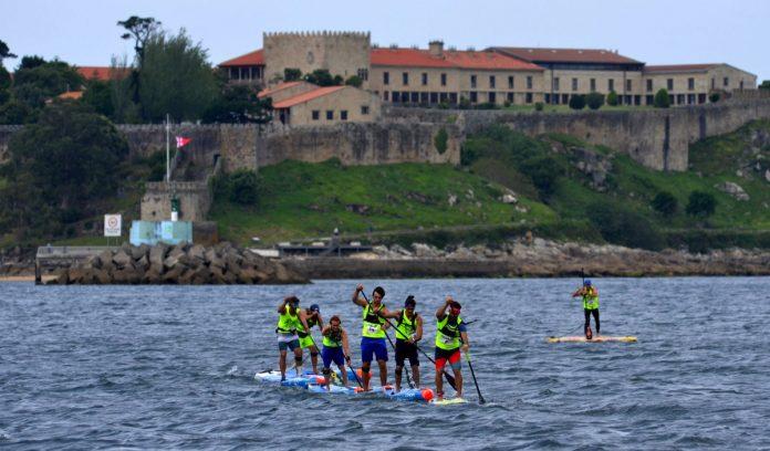 Más de cien deportistas participaron en el campeonato de España de paddlesurf celebrado en Baiona