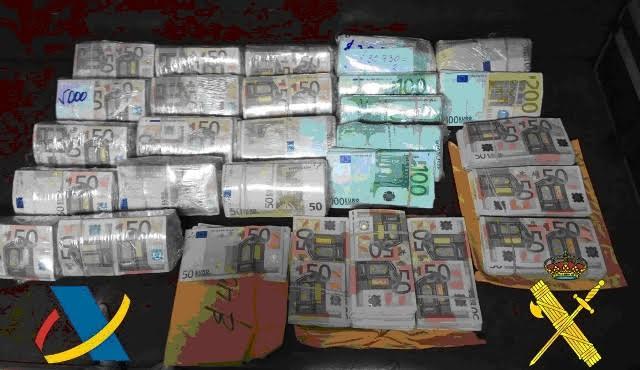 Descubren 540.000 euros en efectivo en un pesquero procedente de Ecuador