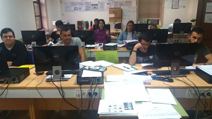 Más de 30 personas reciben clases en Tomiño para sacar el graduado en ESO