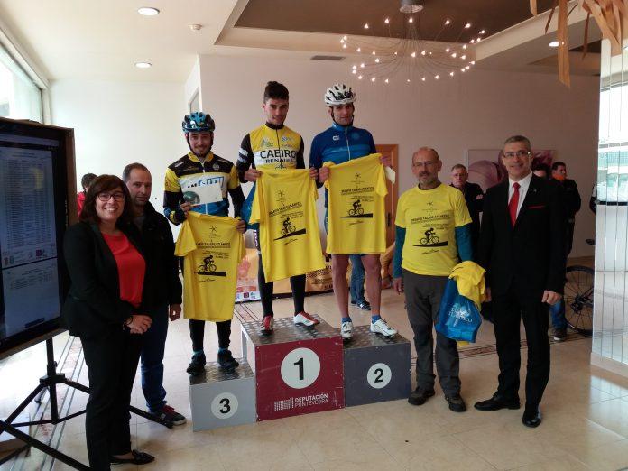El ciclista de O Rosal Raúl Fernández, el más rápido en la cronoescalada celebrada en Oia con final en el alto de A Groba