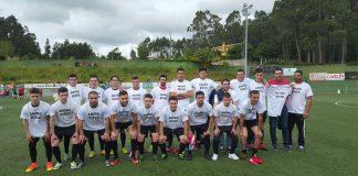 El Racing Vilariño homenajea a uno de sus jugadores en el último encuentro liguero de la temporada