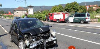 Dos heridos en el choque frontal entre dos vehículos en Tomiño