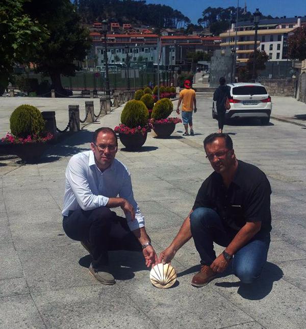 El casco histórico de Baiona tendrá conchas de bronce que indicarán el Camino de Santiago por la Costa