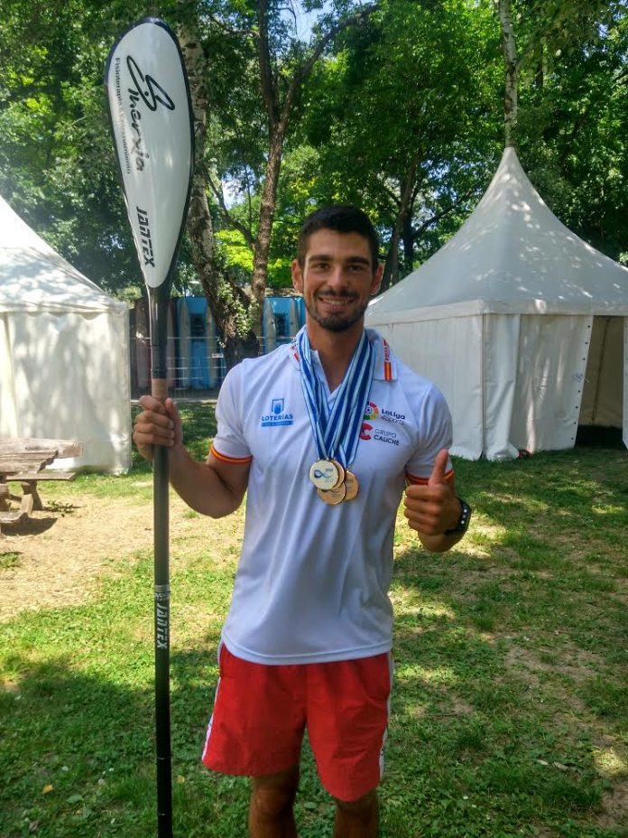 Póker de medallas para el palista tomiñés del Kayak Tudense en las Copas del Mundo 2017
