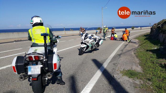 Cae un triatleta en una prueba deportiva y la ambulancia tarda casi media hora en llegar