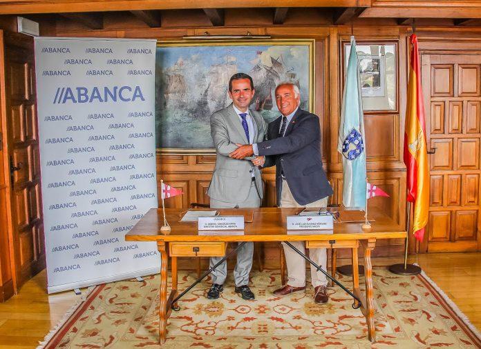 ABANCA renueva su compromiso en Baiona con la vela de base en Galicia