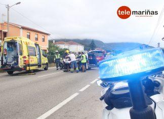 Tres heridos en un choque entre dos turismos en Oia