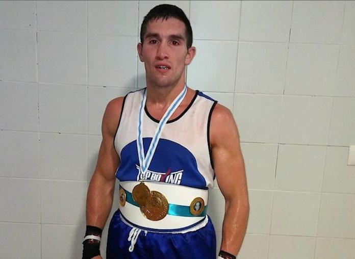 El goianés Charly López se proclama campeón gallego de boxeo