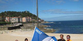 La playa de A Concheira luce la bandera azul por primera vez en su historia
