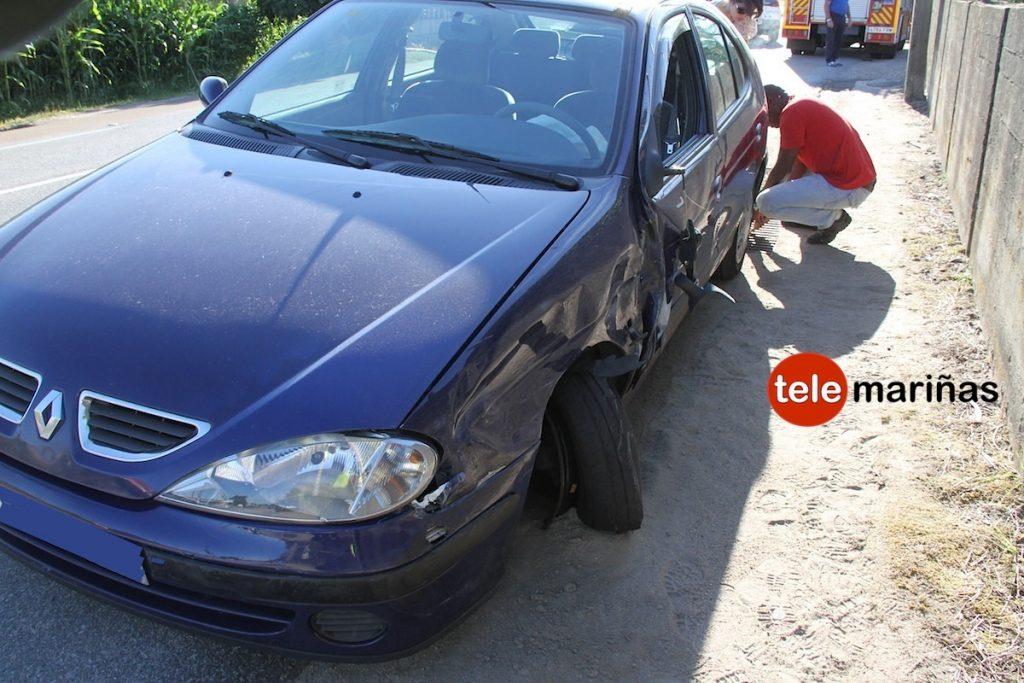 Un herido tras impactar dos vehículos en Nigrán