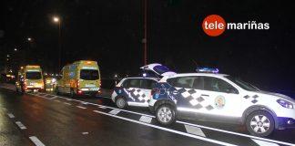 Dos heridos al atropellar una moto a una joven en Baiona