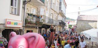 Las calles de Baiona se llenan de fiesta por el Día del Turista