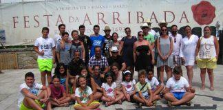 Dos niñas andaluzas cambian un viaje a EuroDisney por unos días de vacaciones en Baiona
