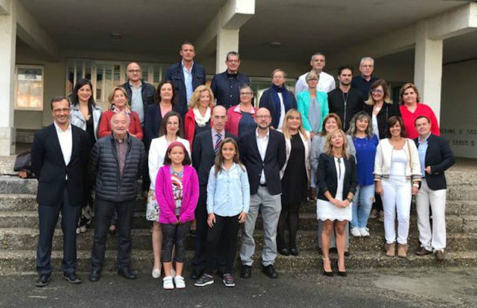 Ex alumnos del CIP Covaterreña inauguran el curso escolar en su 45 aniversario