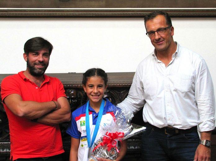 La baionesa Iria Ludeñas, campeona gallega de piragüismo