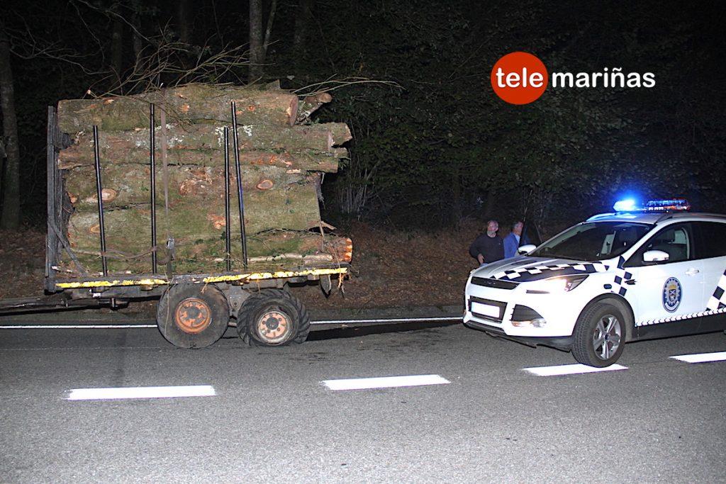 Un herido en el choque entre un tractor y un turismo en Gondomar