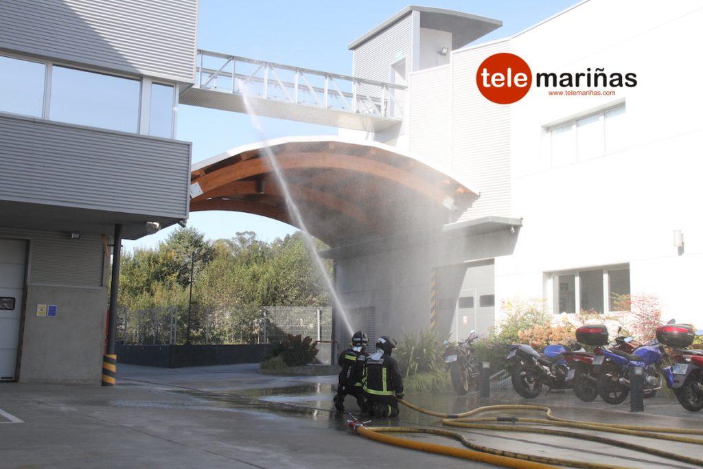 Simulacro de incendio en la fábrica Marine Instruments de Porto do Molle de Nigrán