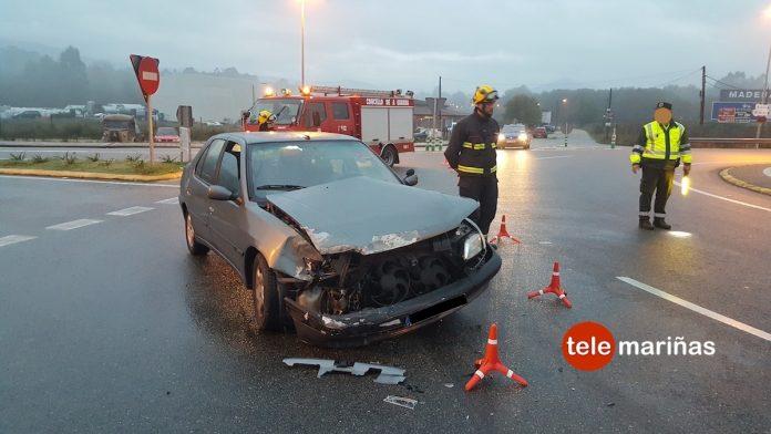 Un accidente en la rotonda de Goián deja una persona herida