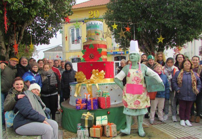 Las asociaciones de A Guarda decoran la villa por Navidad