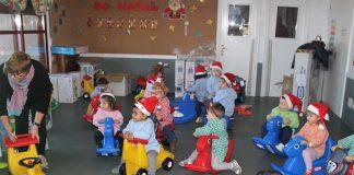 Entregan material de juegos a los niños de la escuela infantil de A Guarda