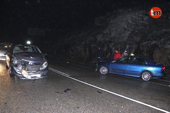 Sin heridos en un accidente con tres vehículos implicados en Cabo Silleiro