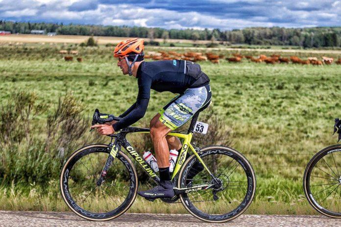 El exprofesional David Galarreta será uno de los líderes del Club Ciclista Rías Baixas