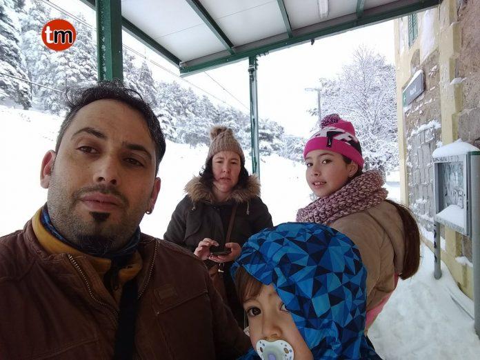 Una familia de Baiona atrapada 24 horas en la nieve