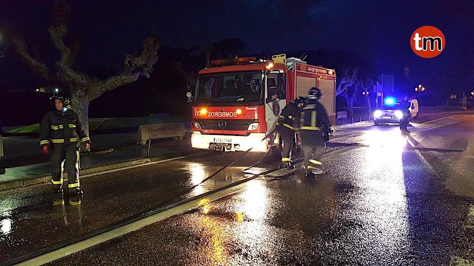 La rotonda del muelle de Baiona registra su primer accidente