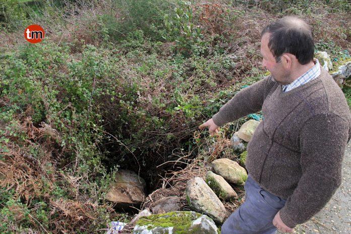 Rescatado un vecino de Baíña tras caerle una piedra en una pierna