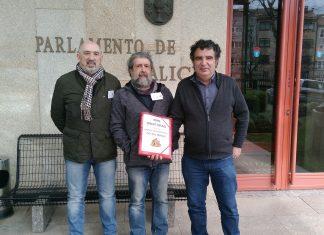 Presentan 4.000 sinaturas para a creación dun parque de bombeiros no Val Miñor